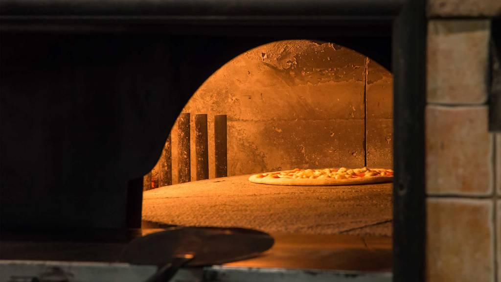 Ristorante-Pizzeria-Braceria-Pappa-Reale-Rome-oven-4