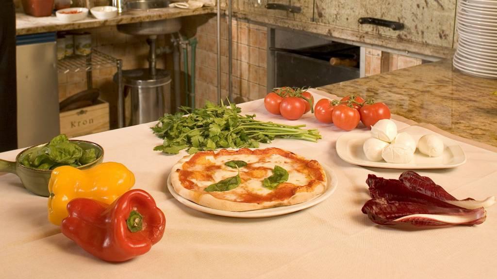 Ristorante-Pappa-Reale-Rome-pizza
